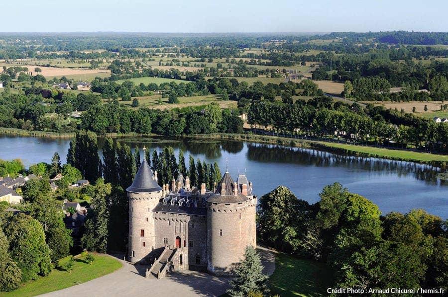 combourg chateau visite cote d'emeraude chateau hante chateaubriand gite combourg